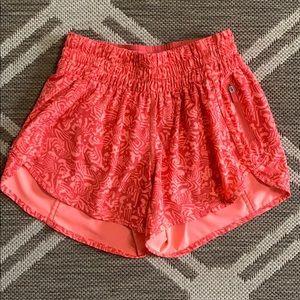 Lululemon Seawheeze Tracker Shorts, Sz 6